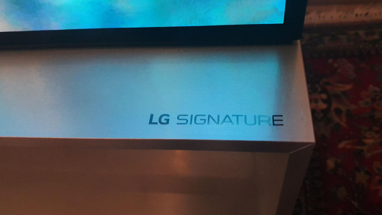 LG Signature Z9: finitura