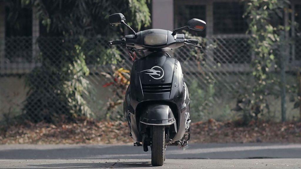 Liger Mobility: ecco lo scooter elettrico che sta in piedi da solo thumbnail