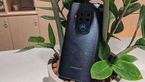 Motorola One Zoom recensione: addio ad Android One