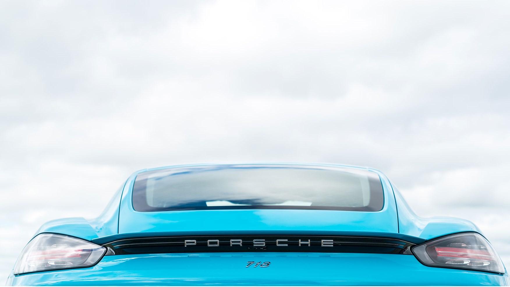 Porsche 718 Cayman 3