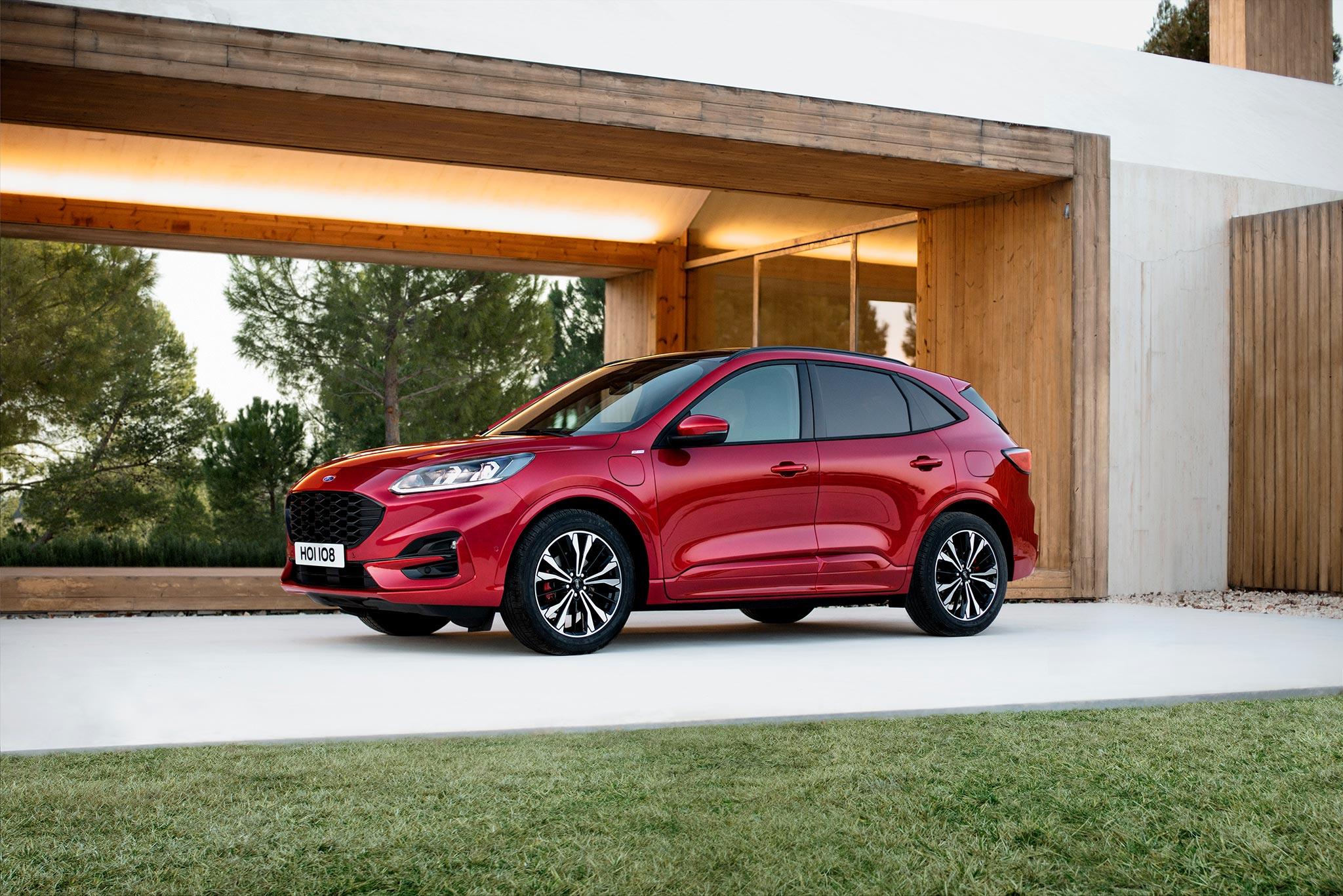 Ford Kuga ibrida: investiti 42 milioni nell'elettrificazione del brand thumbnail
