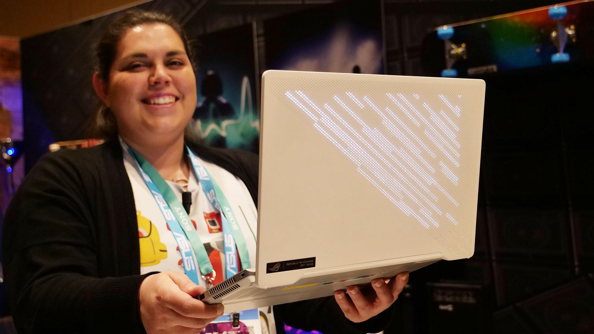 ASUS ROG Zephyrus G14: il laptop per esprimere la vostra personalità thumbnail
