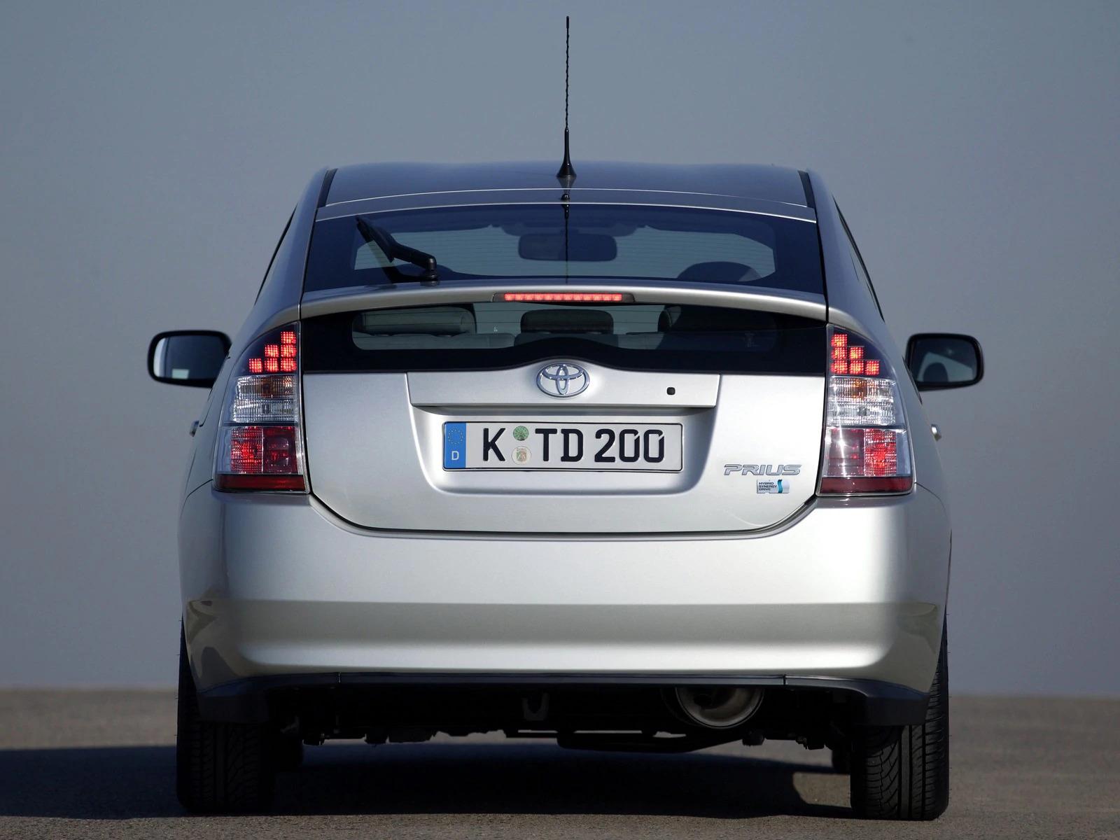 Auto-Ibride-Prius-seconda-serie