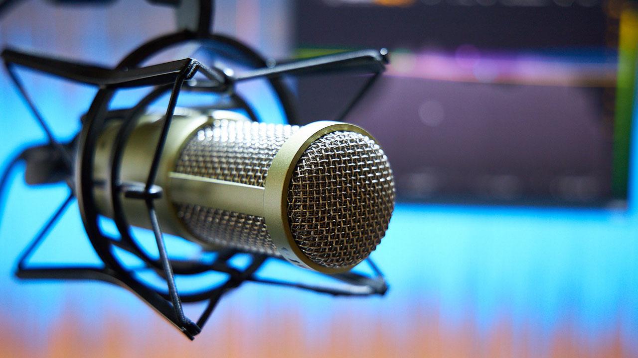 Come creare un podcast: guida completa agli strumenti e alle piattaforme thumbnail