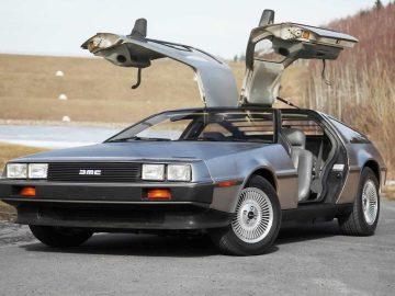 DeLorean DMC-12 copertina