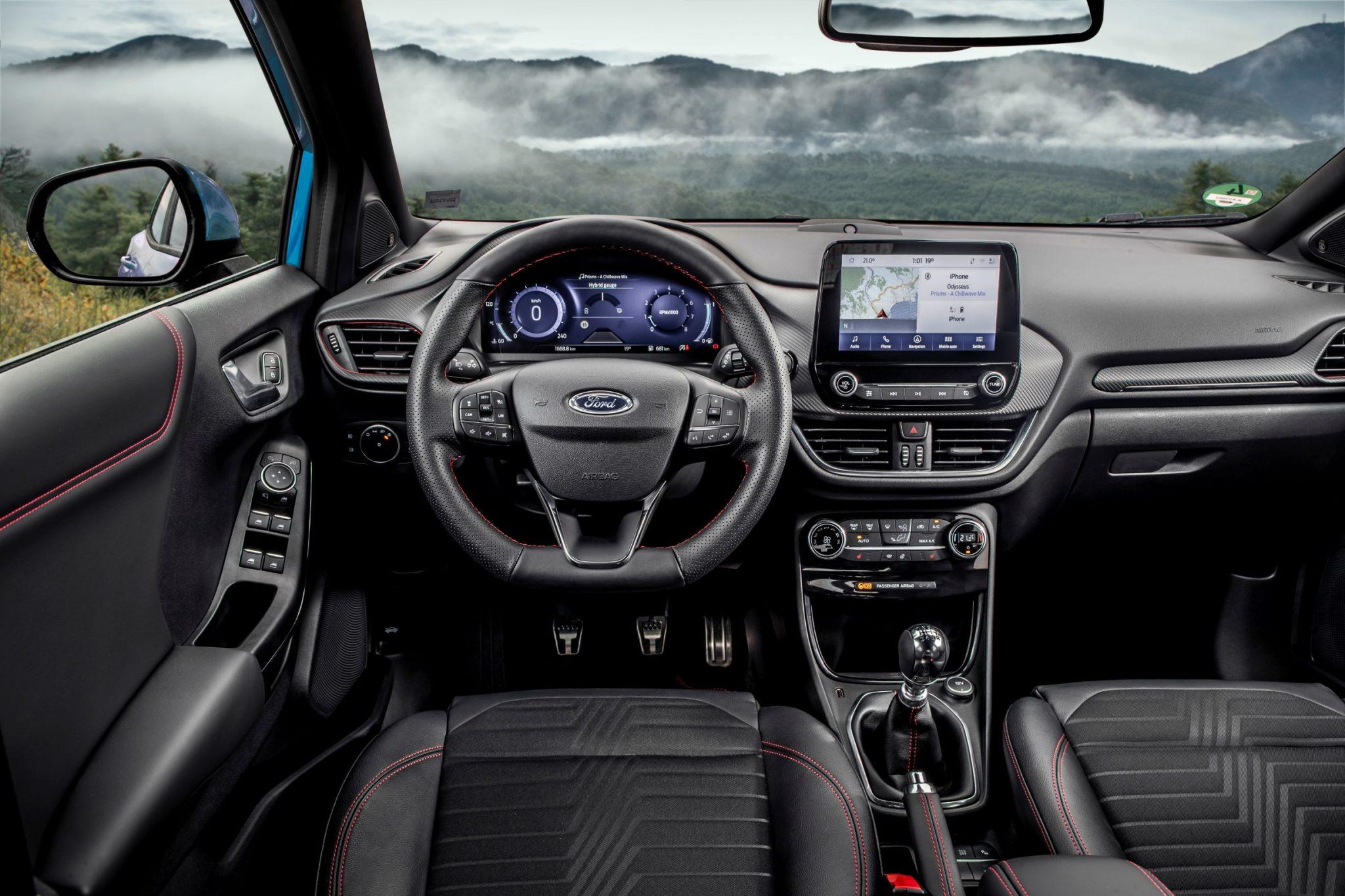 Ford Puma interni