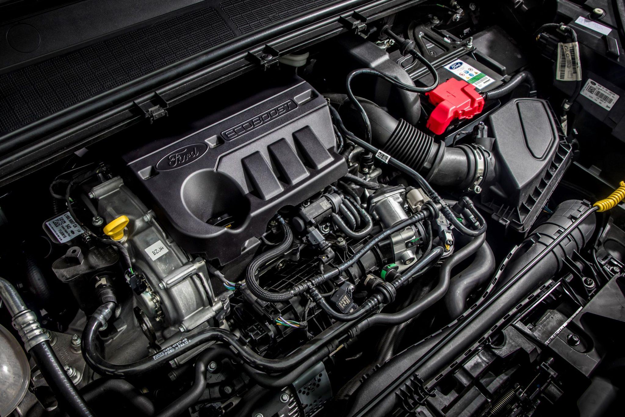Ford Puma vano motore