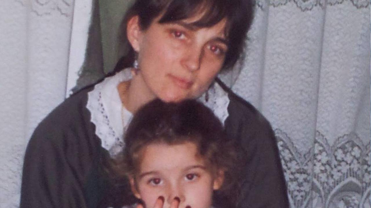 Intervista Tatiana Sulejmani: mia madre, la prima ballerina del regime di Hoxha thumbnail