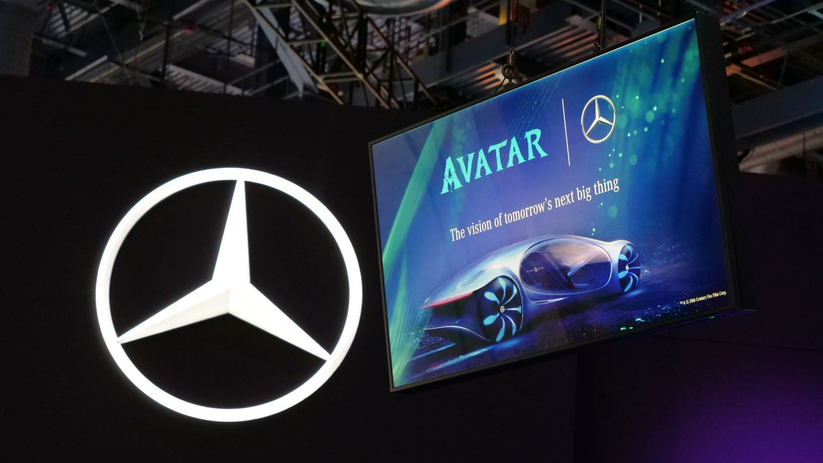 Mercedes-Benz VISION AVTR: presentata la concept car ispirata ad Avatar thumbnail