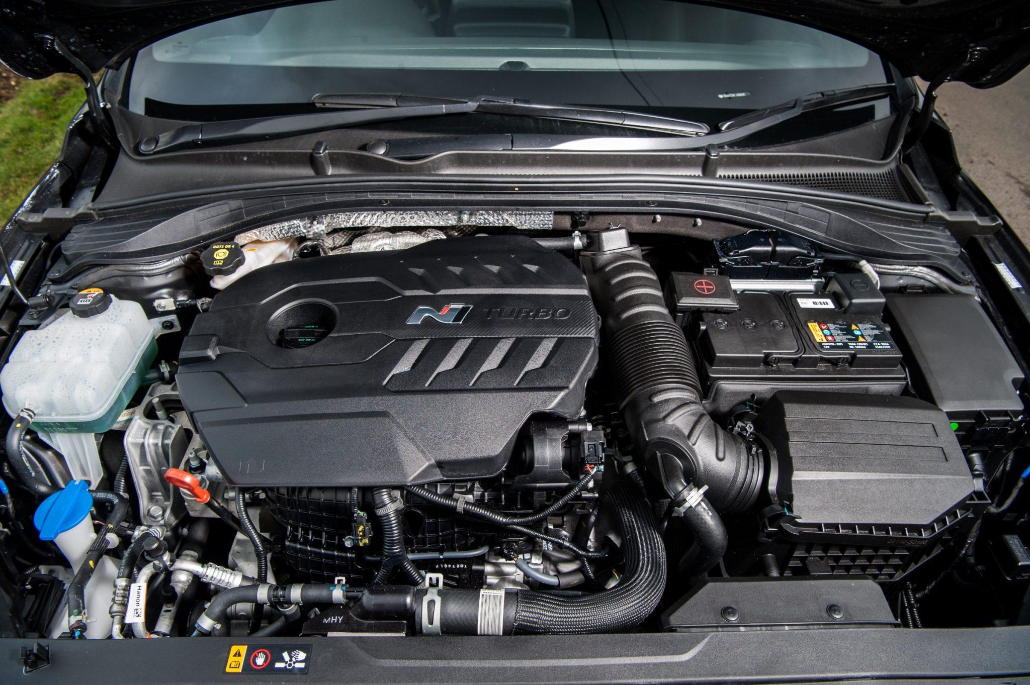 Migliori auto sportive low cost Hyundai i30N 3