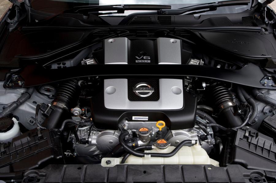 Migliori-auto-sportive-low-cost Nissan 370Z 3