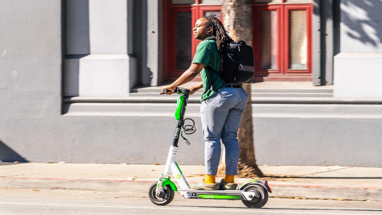 Lime (ti) osserva e sa quando stai andando sui marciapiedi! thumbnail