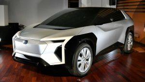 L'elettrica Subaru progettata insieme a Toyota avvistata in Giappone