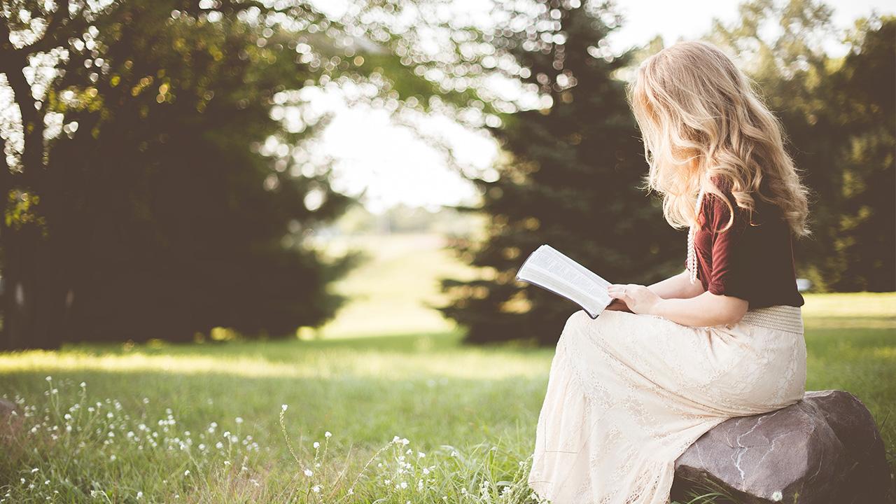 Il lettore italiano ama i libri cartacei: lo dice Bookabook thumbnail