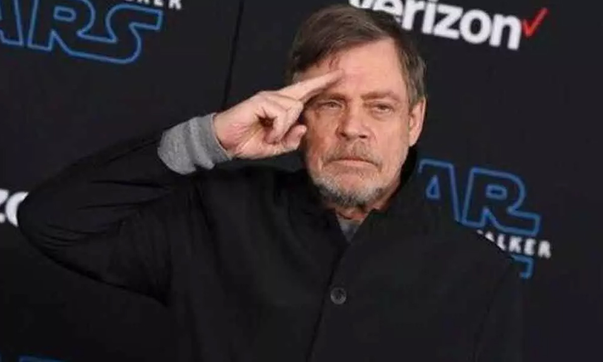 Mark Hamill si cancella da Facebook e accusa Zuckerberg thumbnail
