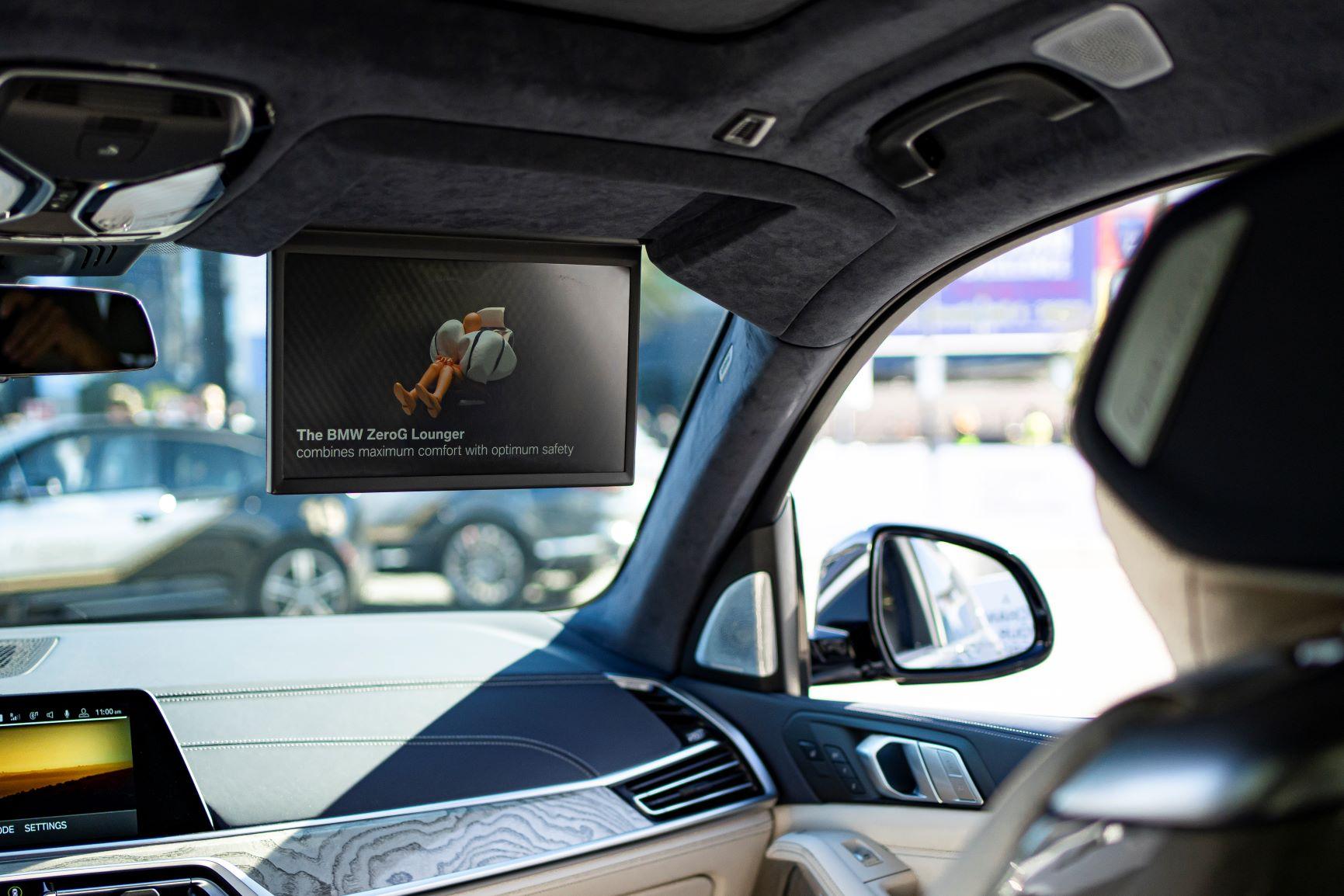 novità BMW ZeroG Lounge schermo