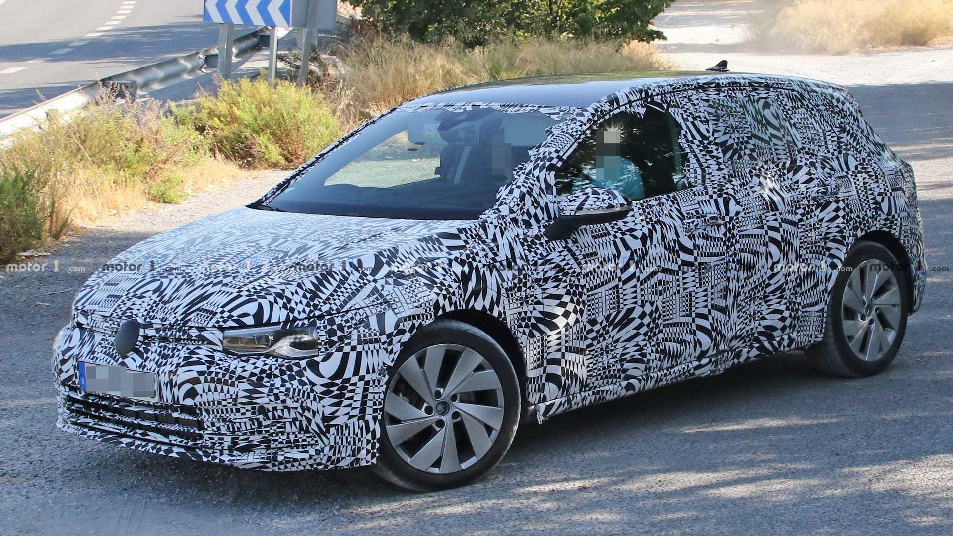 Nuova Volkswagen Golf GTI, questa la prima immagine? thumbnail