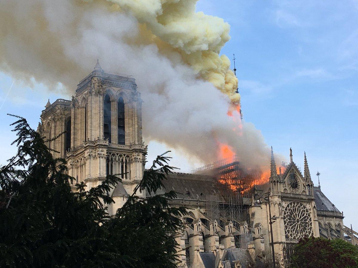 Rebuilding Notre Dame, il documentario arriva su Oculus thumbnail