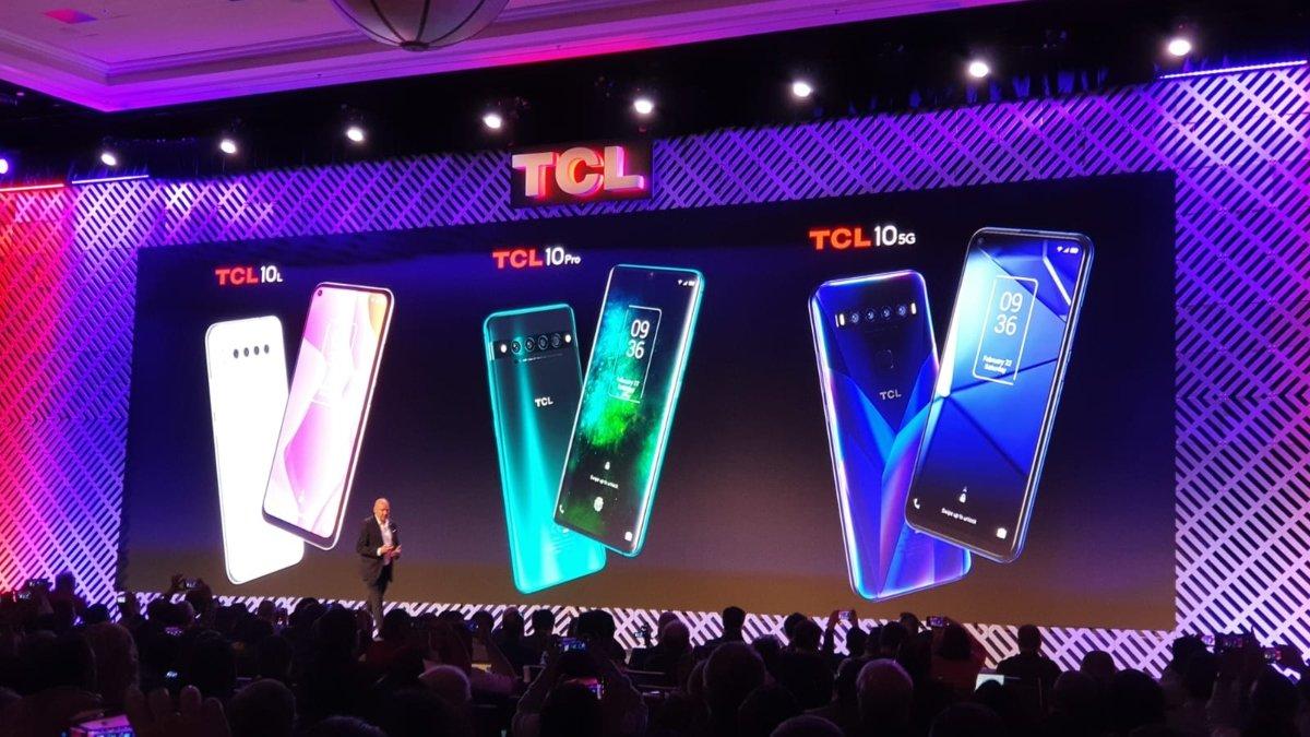 TCL presenta sei nuovi smartphone al CES 2020, dal low cost al 5G thumbnail