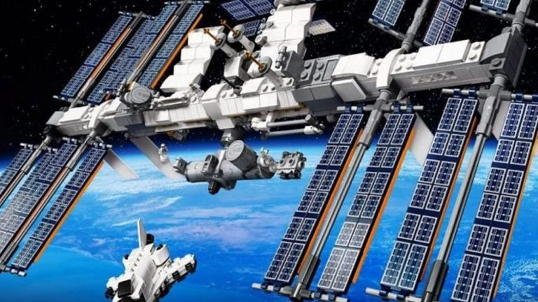 stazione spaziale lego