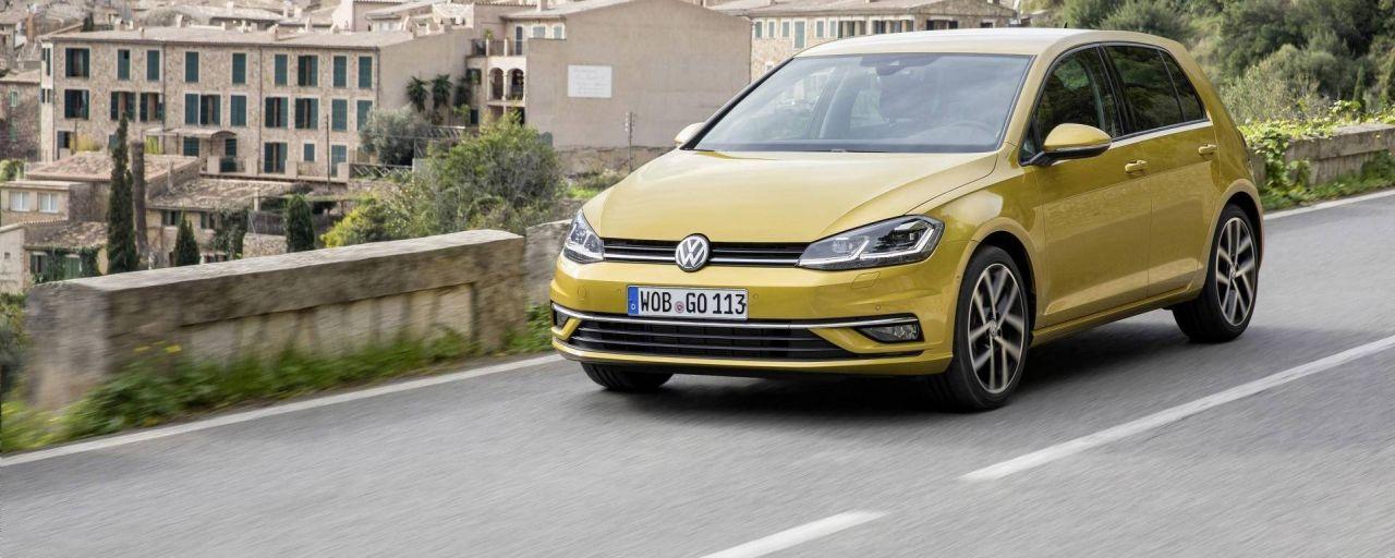 Volkswagen Golf rimane l'auto più venduta in Europa nel 2019 thumbnail