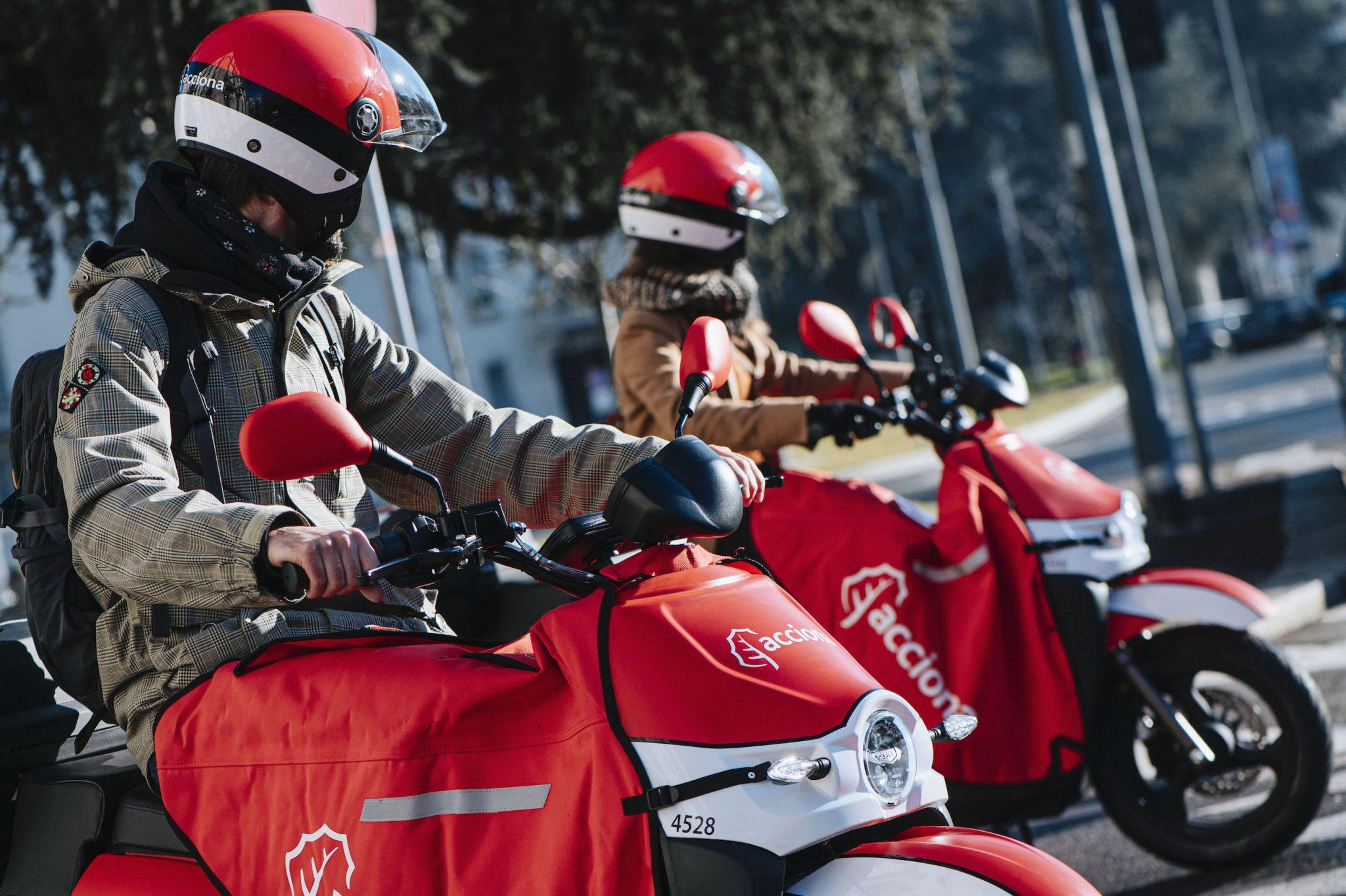 Acciona, il nuovo servizio di scooter sharing elettrico, arriva a Milano thumbnail