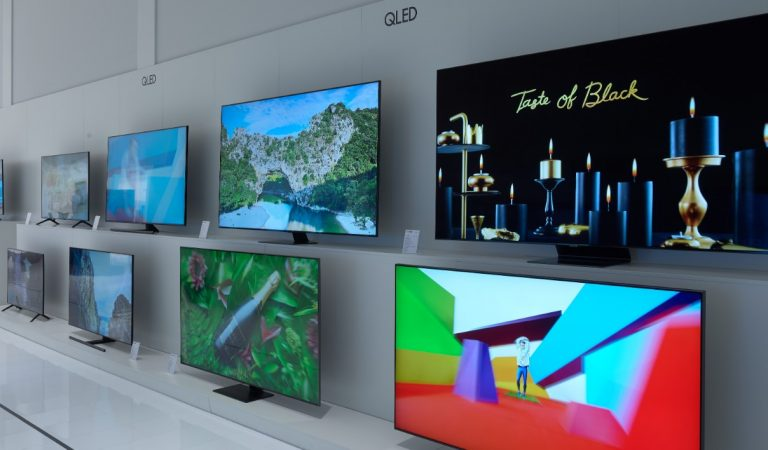 Samsung è inarrestabile: in arrivo la nuova gamma TV QLED in 8K