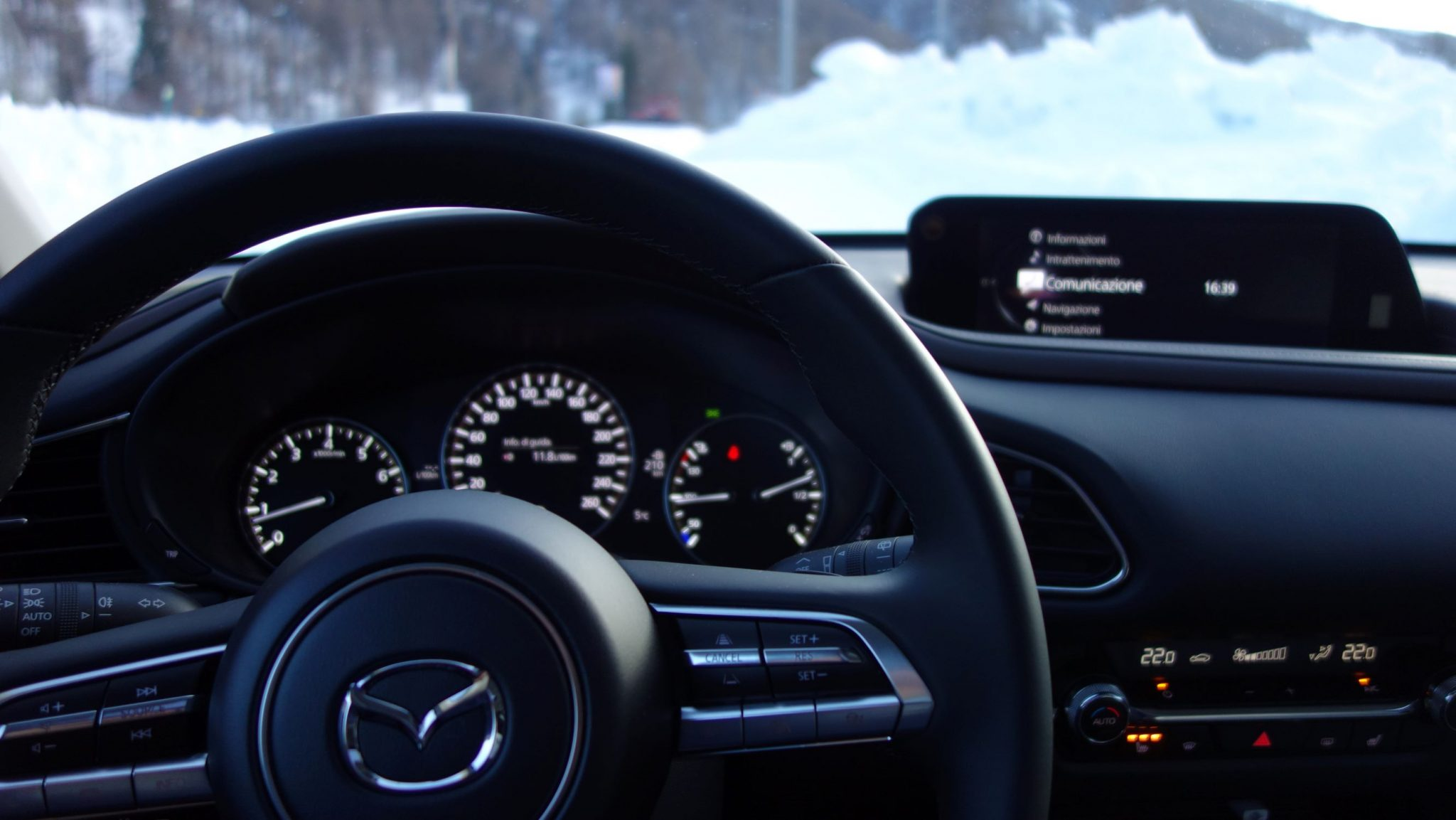 Mazda CX-30 interni 1