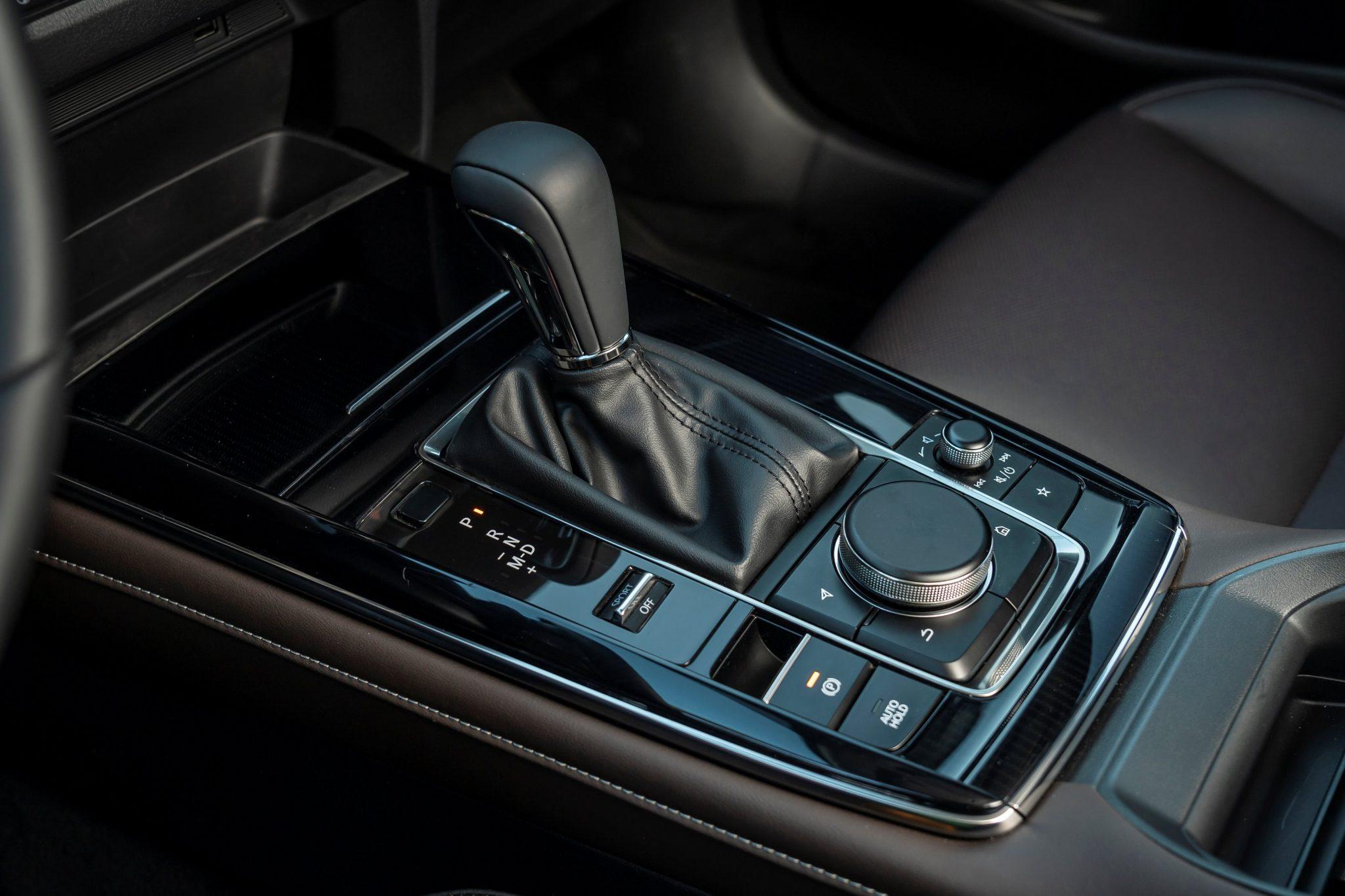 Mazda-CX-30 cambio automatico