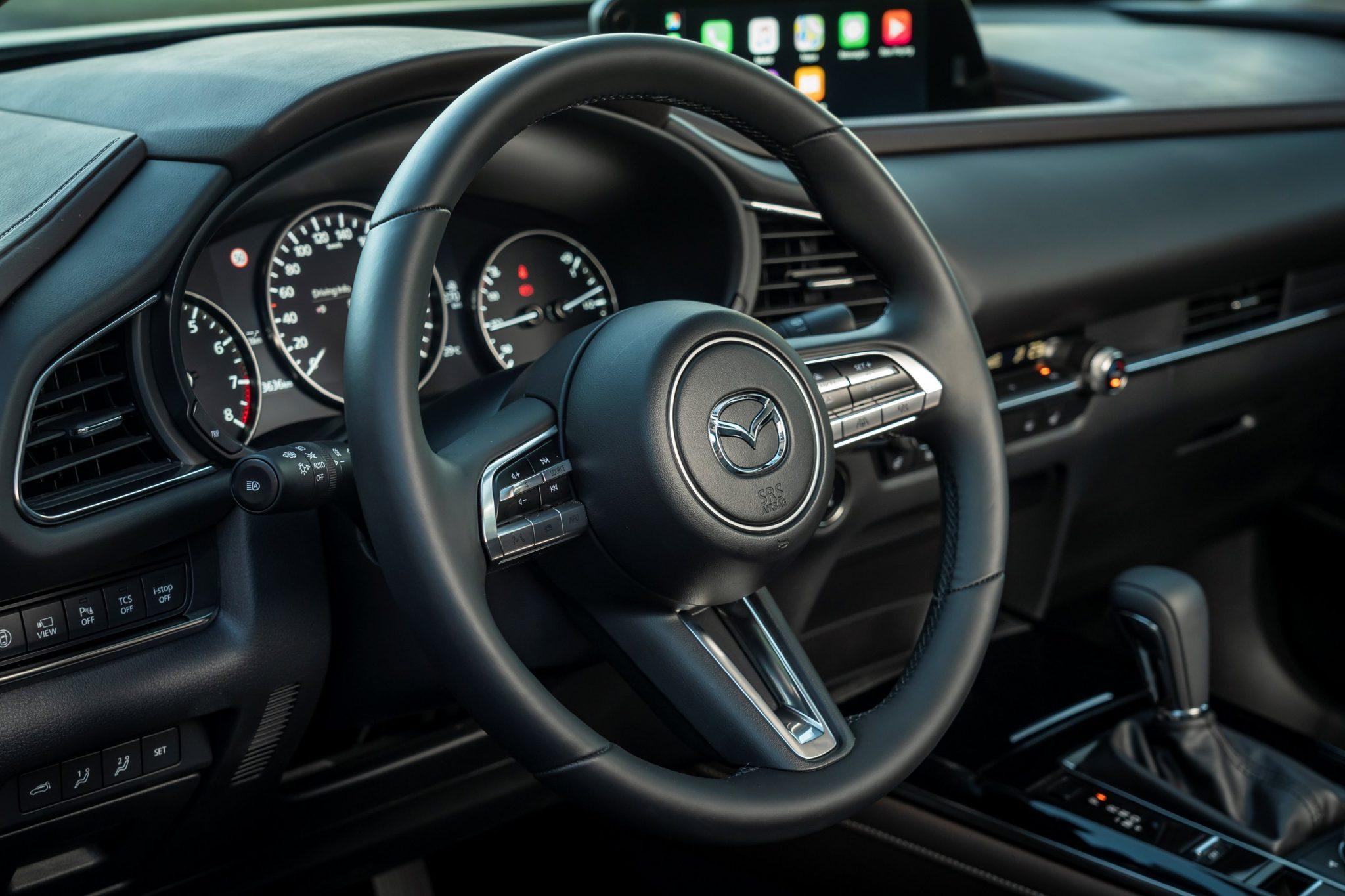 Mazda-CX-30 posizione guida