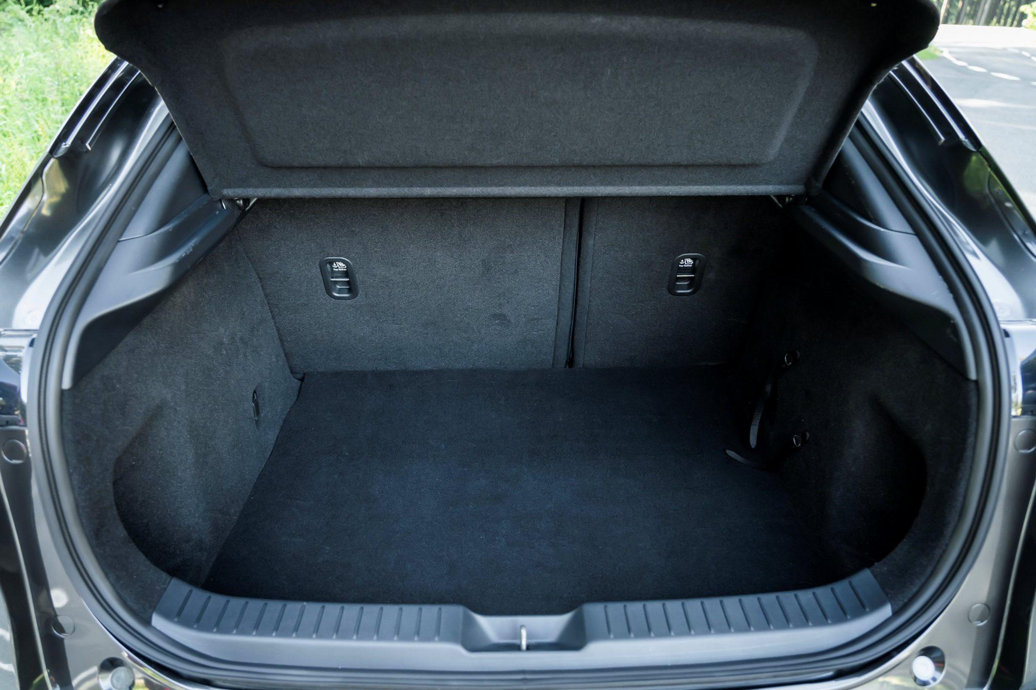 Mazda-CX-30 bagagliaio