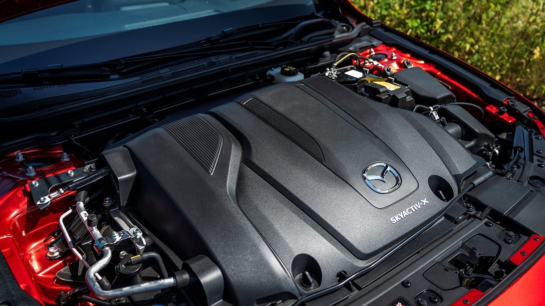 Skyactiv-X: come funziona il rivoluzionario motore Mazda thumbnail