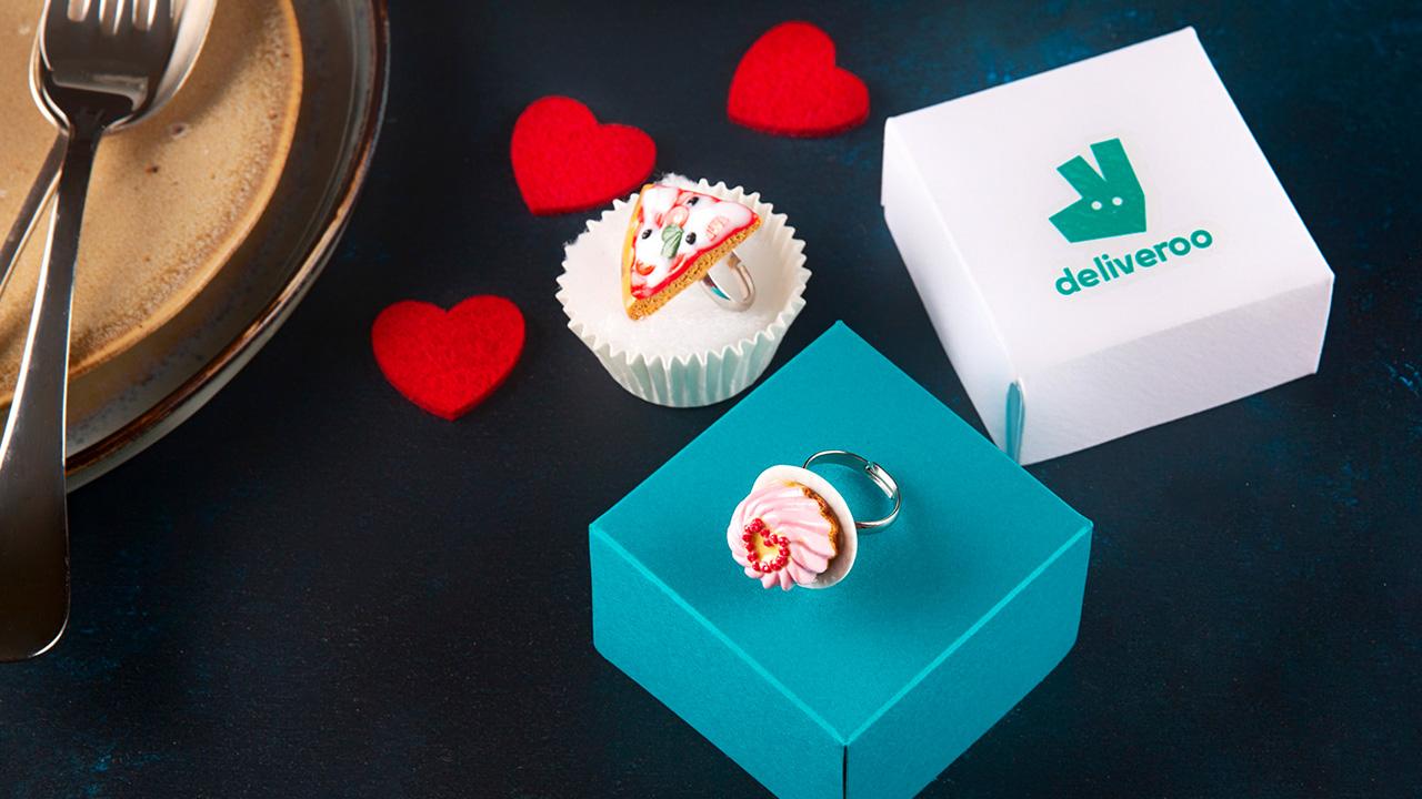 Deliveroo: a San Valentino sorprendi chi ami con un anello food thumbnail