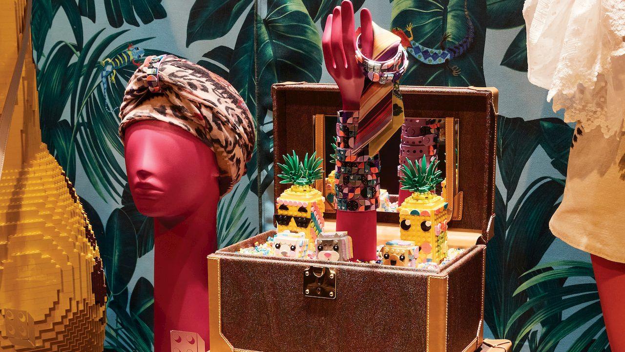 Milano Fashion Week: LEGO si unisce a ETRO per l'allestimento thumbnail