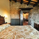 medieval-castle-airbnb-spain-7-5e4a46396bc43__700