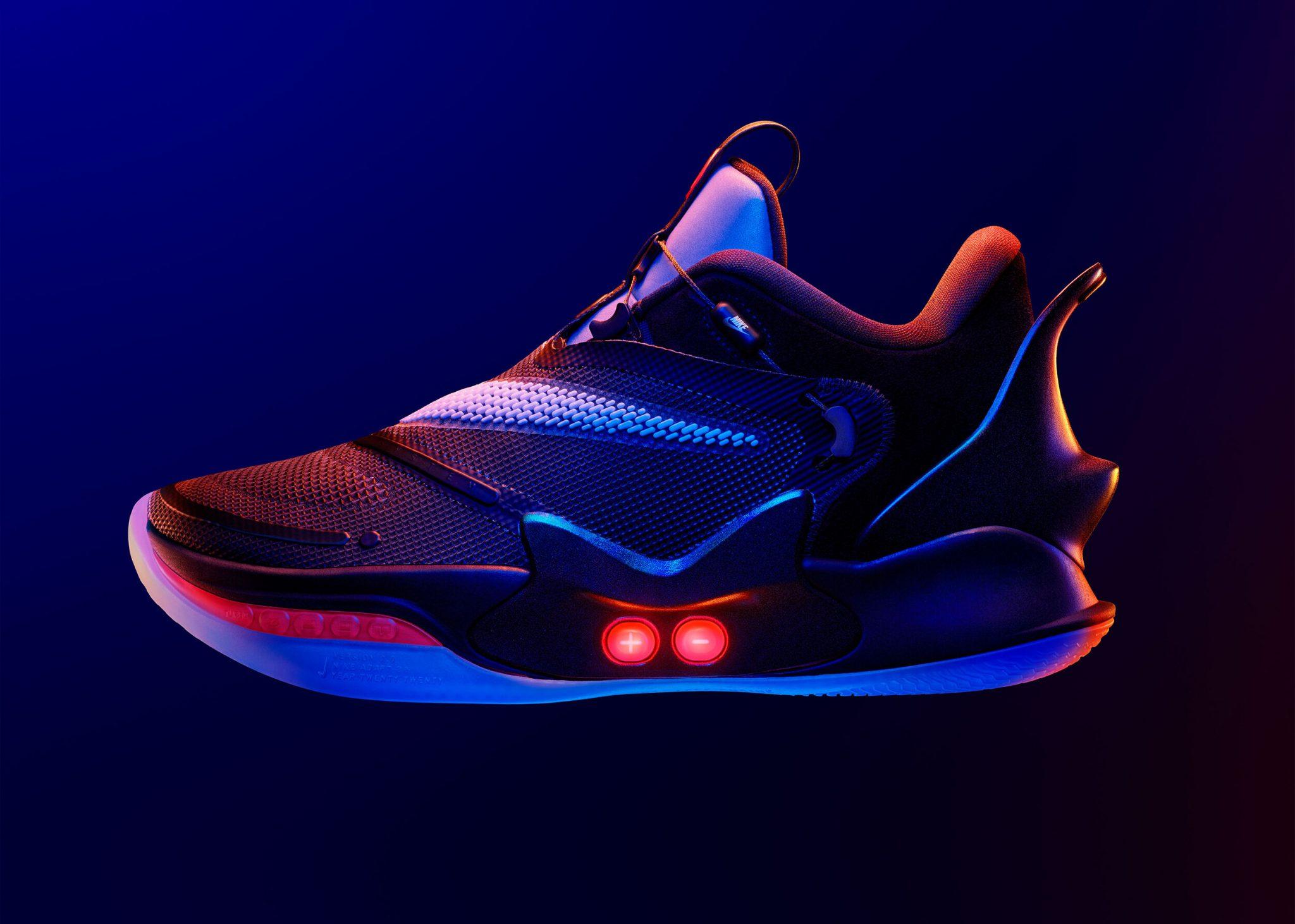 Finalmente in vendita le scarpe autoallaccianti di Nike thumbnail