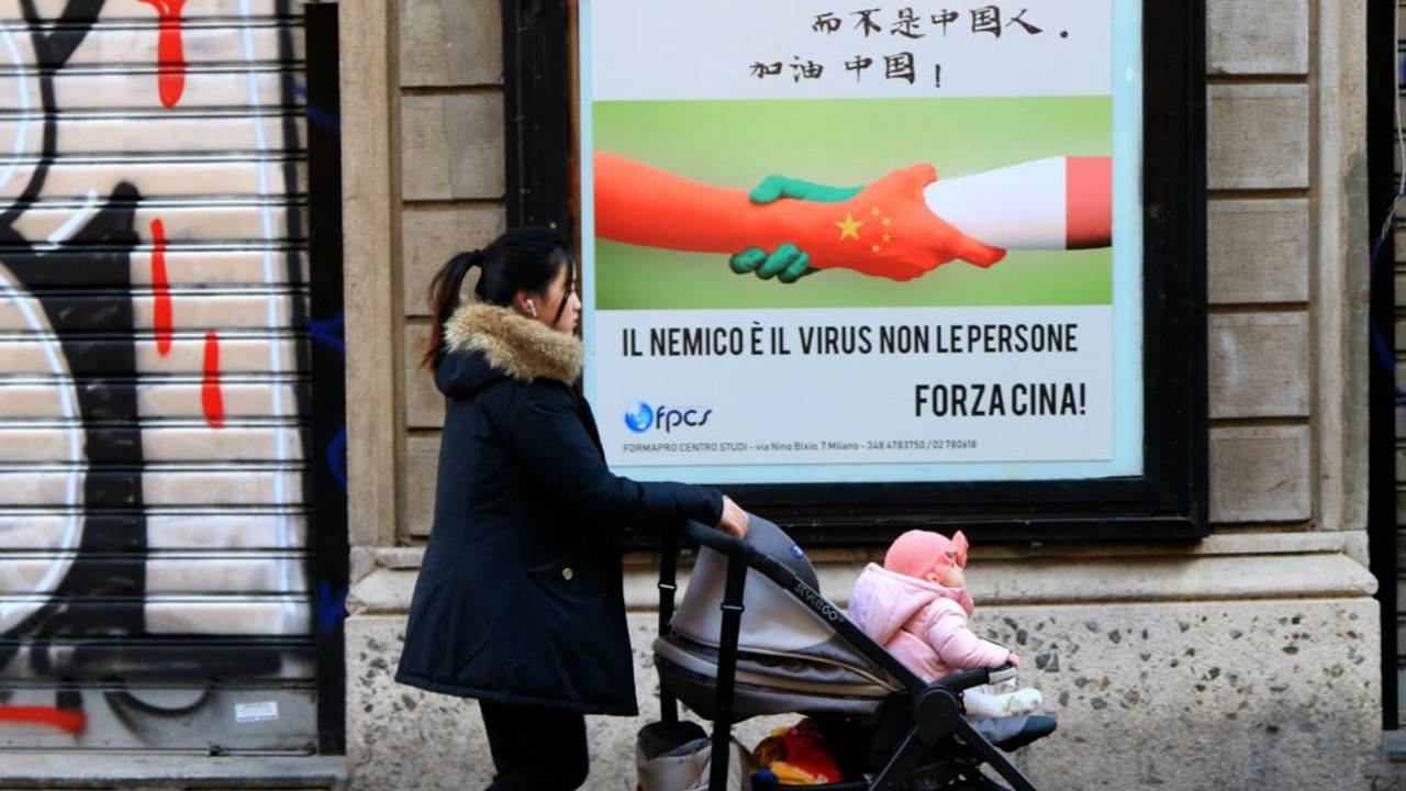 La notte delle bacchette: la solidarietà di Milano contro il Coronavirus thumbnail