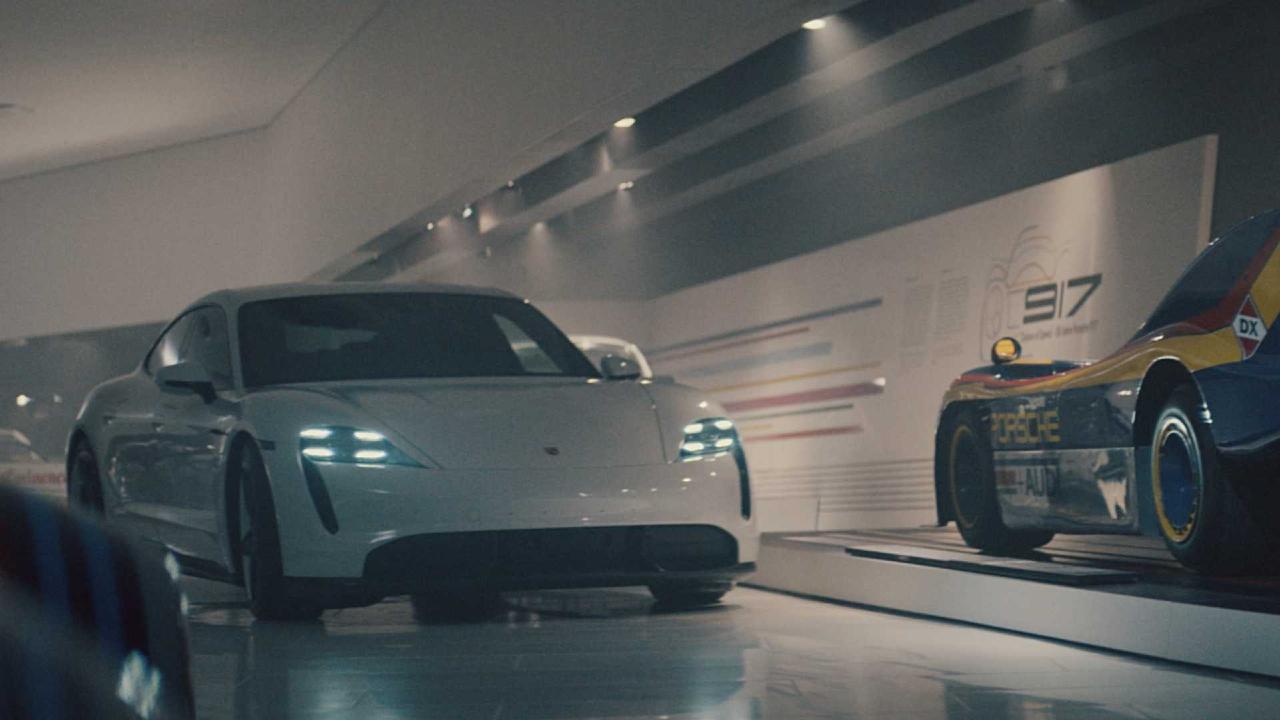 Porsche al Super Bowl: lo spot ad alta velocità sulle strade tedesche! thumbnail