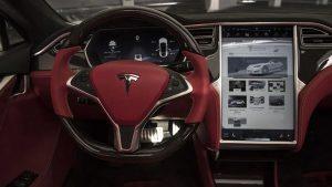 Controllo della velocità: come ingannare una Tesla con il nastro adesivo