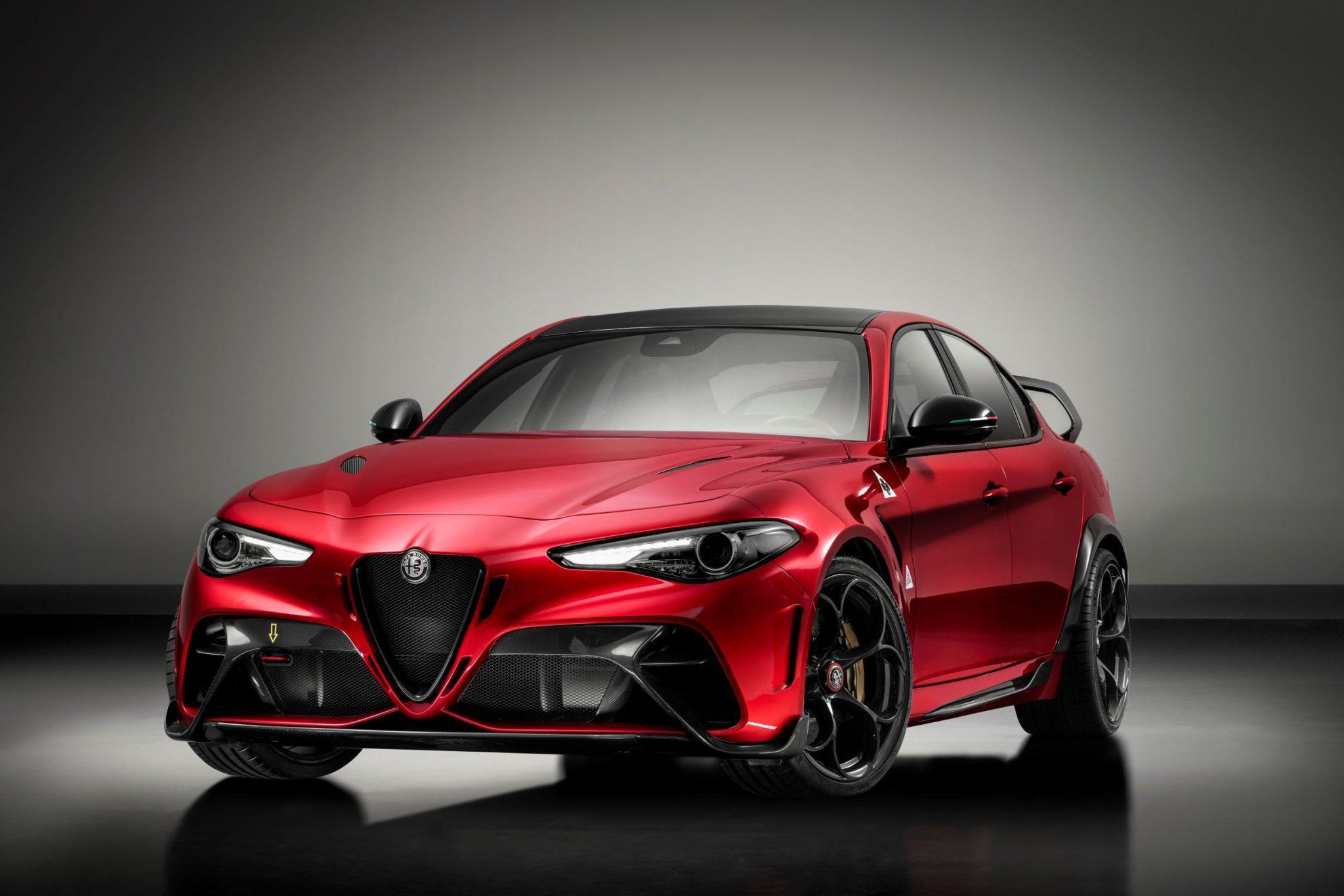 Alfa Romeo Giulia GTA e GTAm, il ritorno di una sigla leggendaria thumbnail