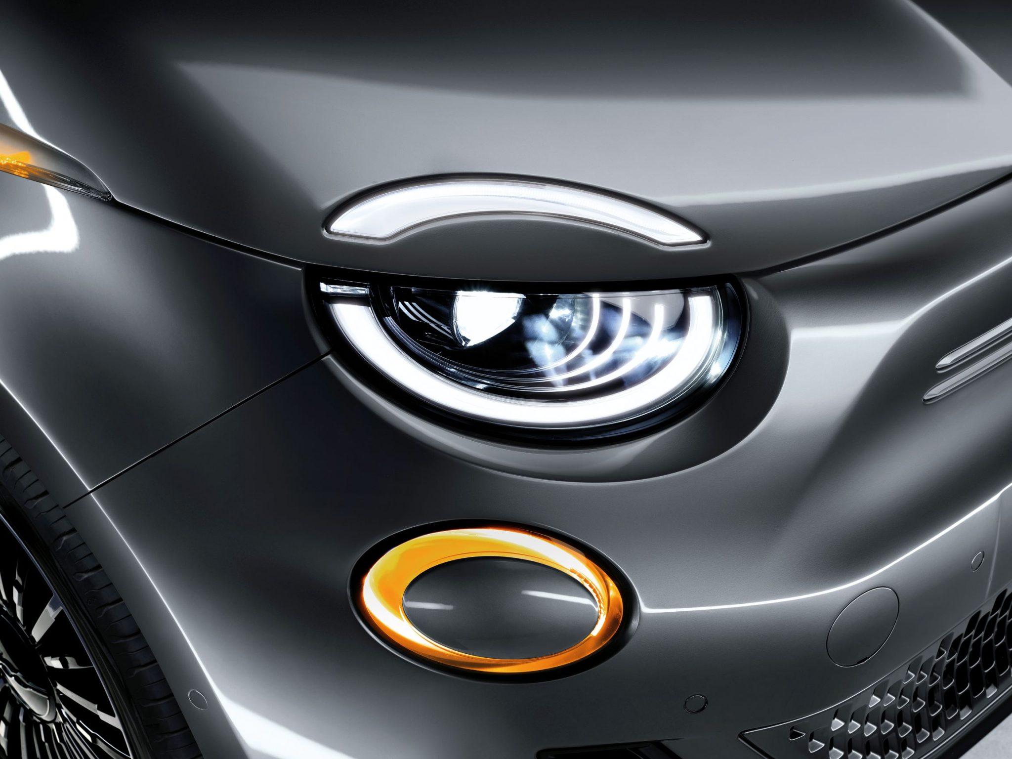 FIAT 500 elettrica luci frecce
