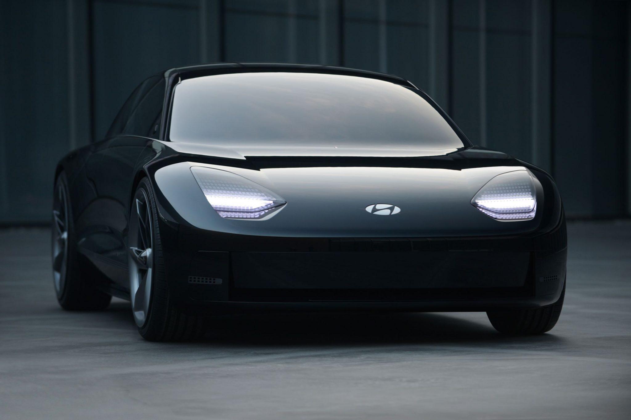 Hyundai porta l'elettrica fuori dagli schemi thumbnail