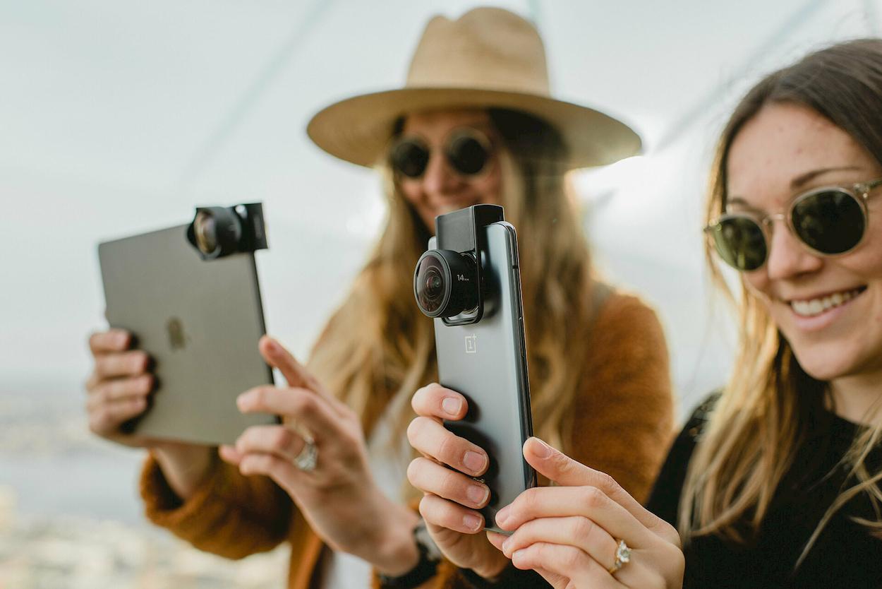 Moment lancia un supporto universale per lenti fotografiche da smartphone thumbnail