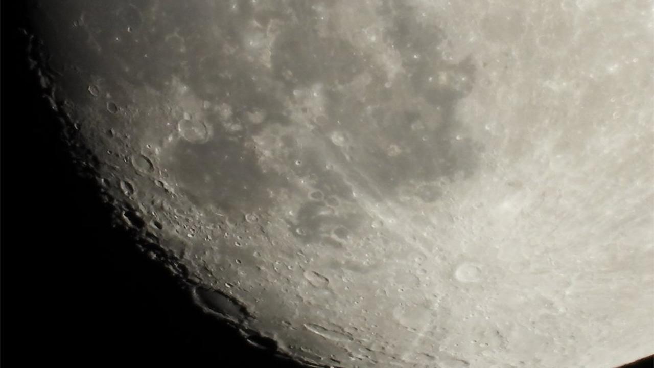 Prenotate il vostro viaggio gratuito sulla Luna con Nikon thumbnail
