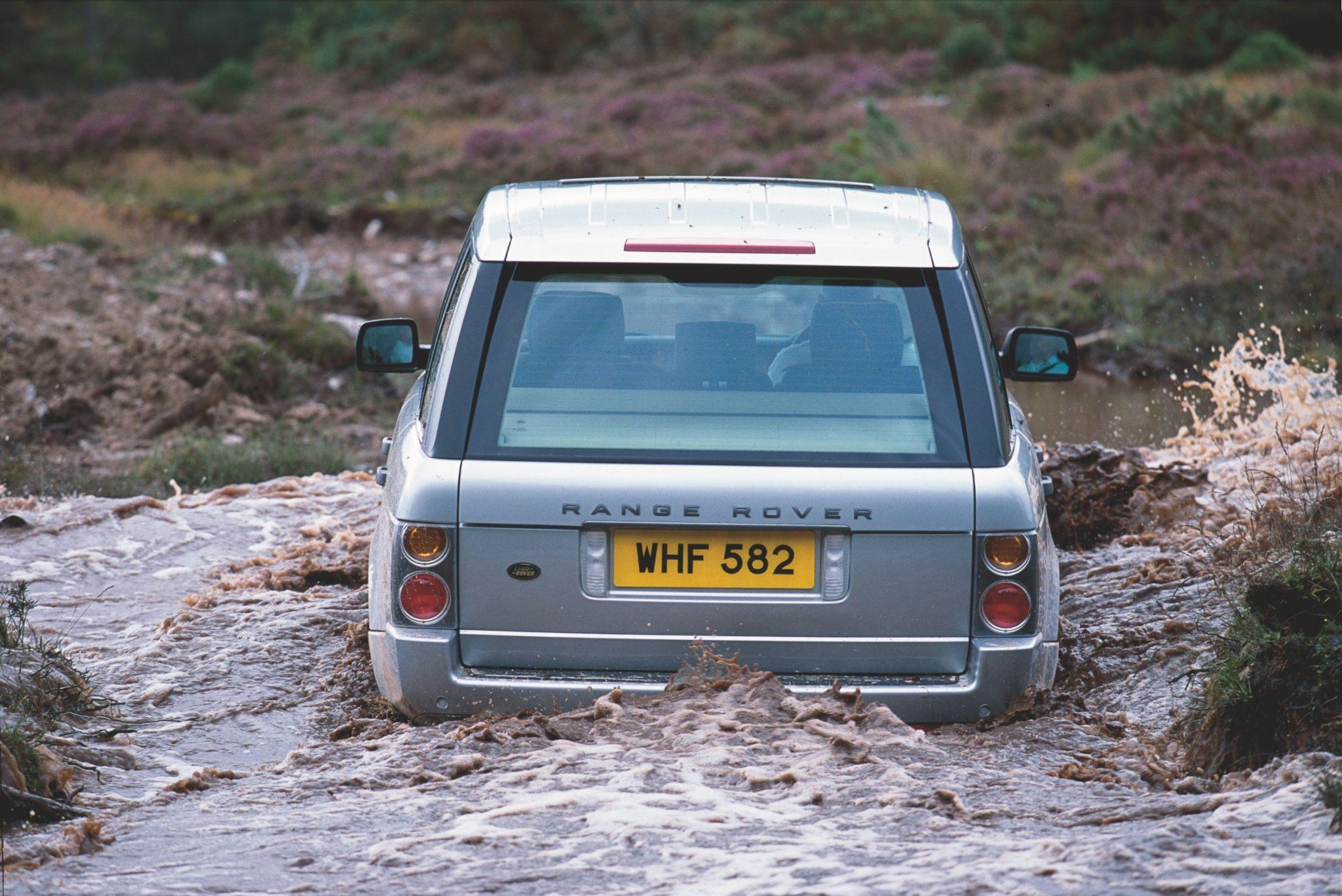 Range Rover L322 nel fango