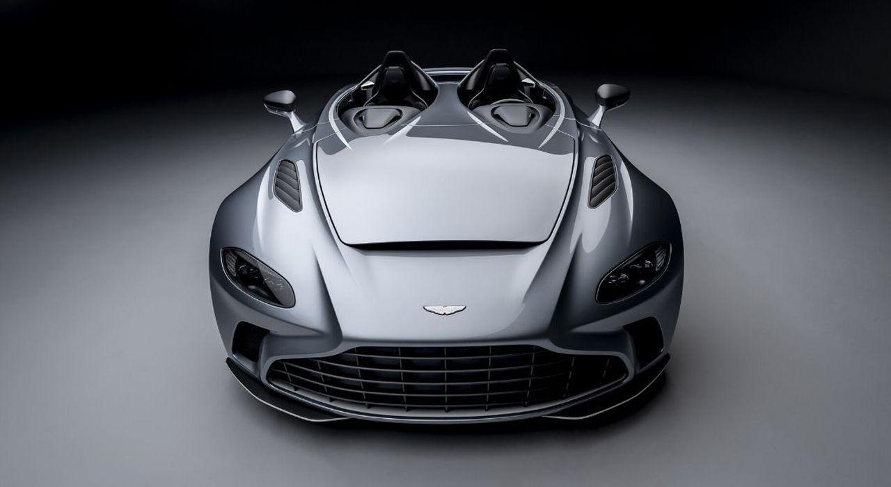 Aston Martin V12 Speedster, bolide per pochi eletti thumbnail