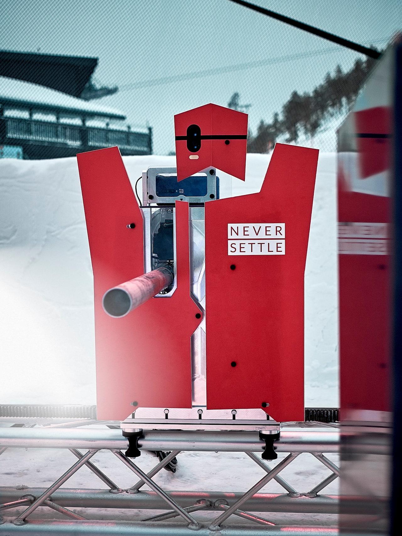 oneplus snowbot battle palle di neve robot uomini