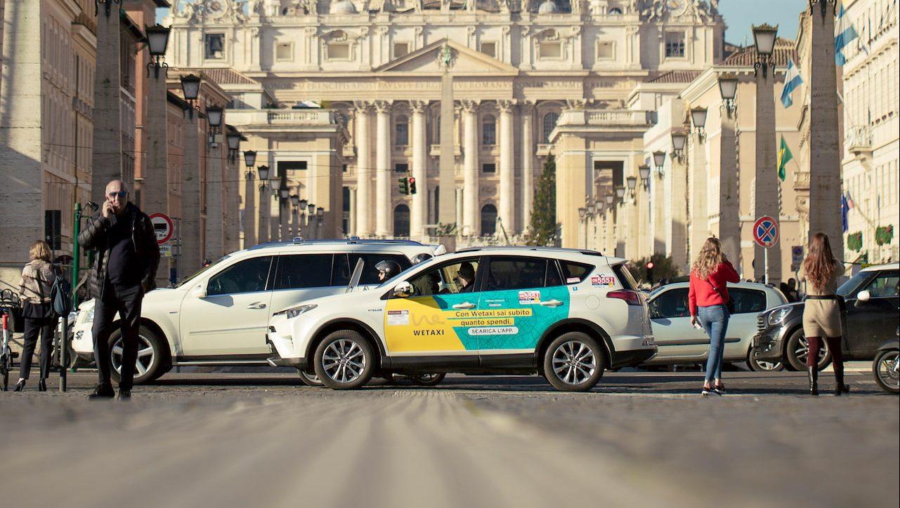 Arriva il taxi che ti porta a casa la spesa thumbnail