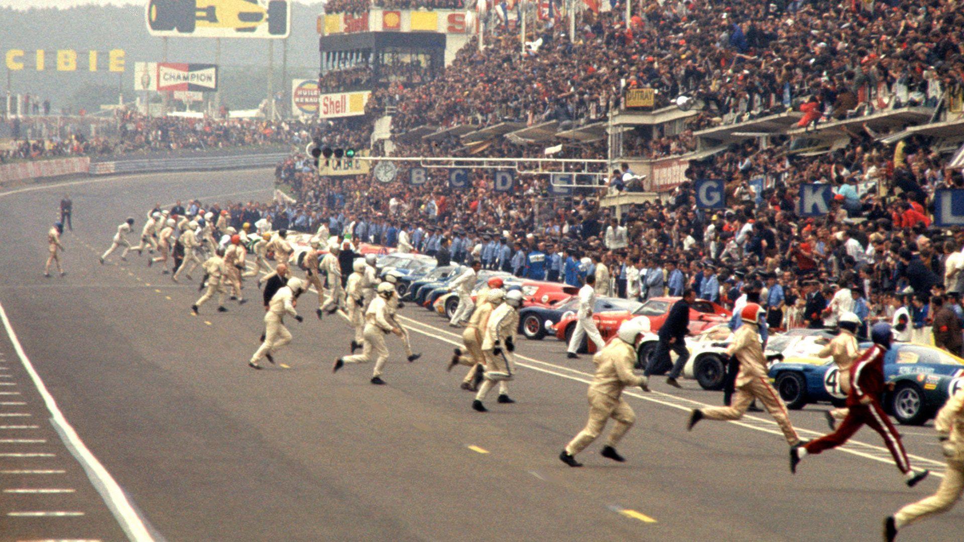 Auto Ferma Le Mans start