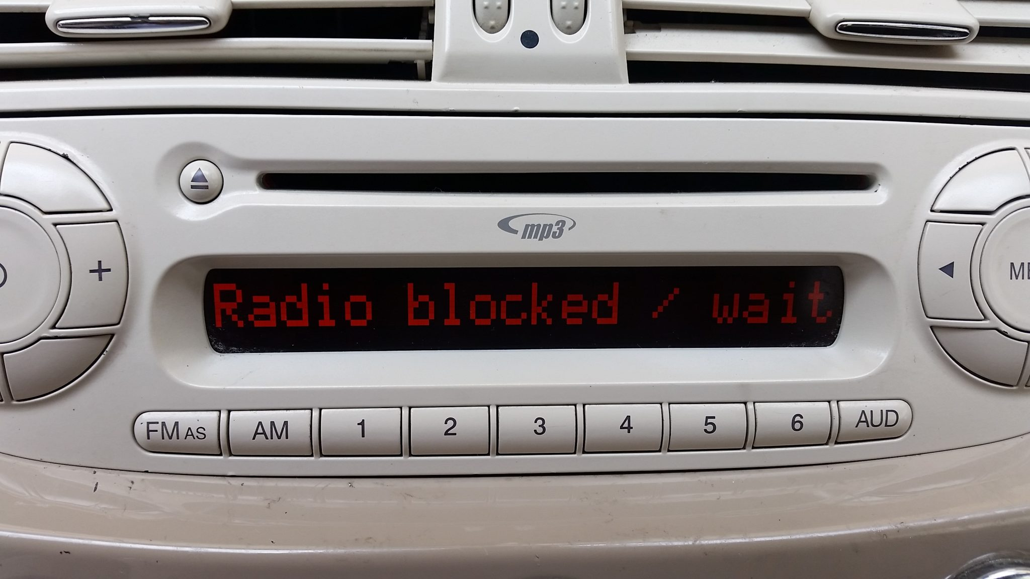Auto ferma codice radio